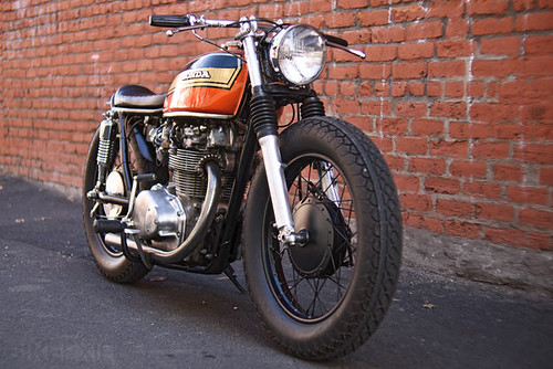 honda-cb450-cafe-racer | by graffig