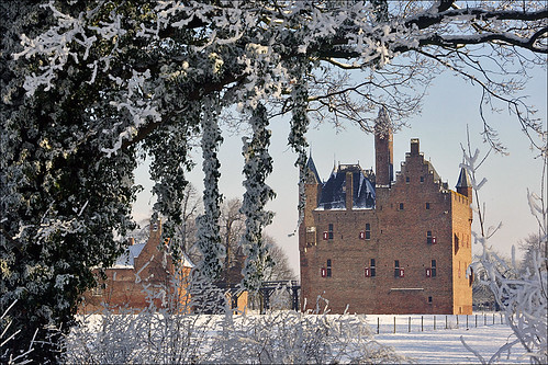 Wintertime at Castle Doornenburg | by Foto Martien