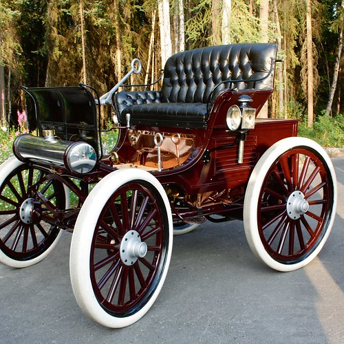 1898 Hay Motor Vehicle | by Fountainhead Hotels & Auto Museum