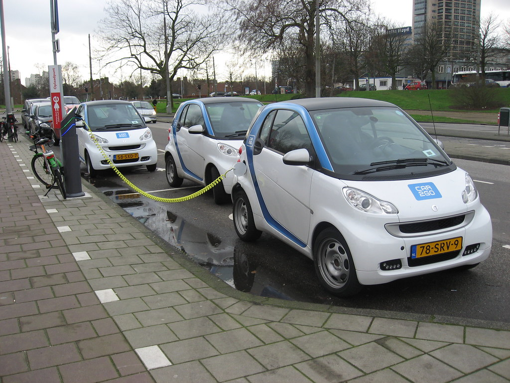 Electro Cars Amsterdam Amstelstation Rent A Car Ca Flickr