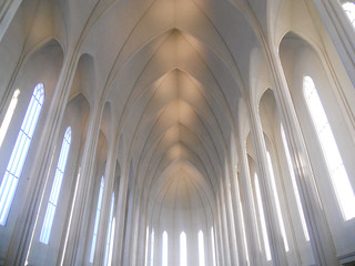 The ceiling Hallrímskirkja Iceland. | by gausidan
