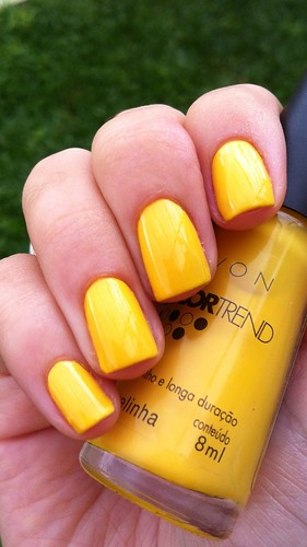Dia 3 :: Yellow Nails :: Amarelinha - Avon | by Juhh -