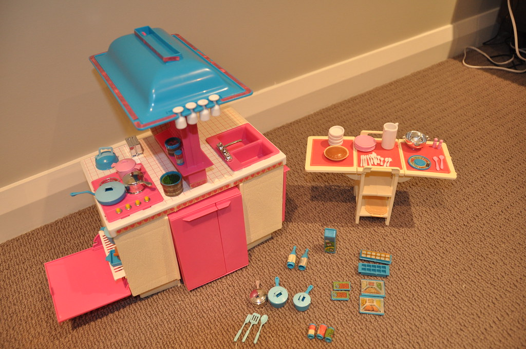 1984 Barbie Dream Kitchen Playset This Is A Complete Plays Flickr