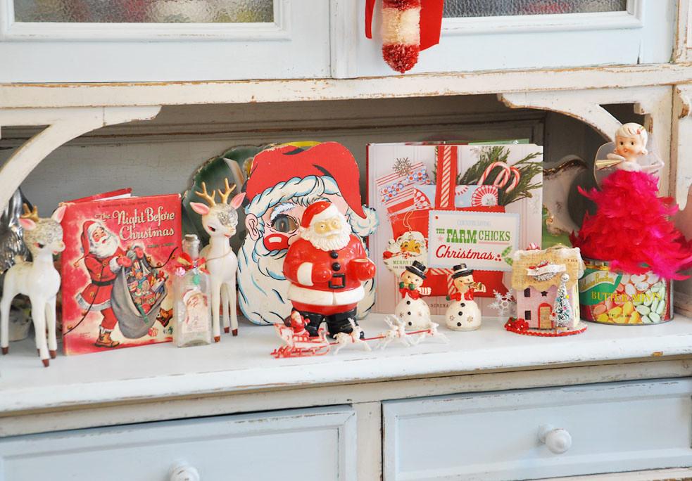 Red Kitschy Christmas | Jennifer Hayslip | Flickr