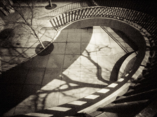 curved_staircase_chicago_1 | by wanderlustcameras