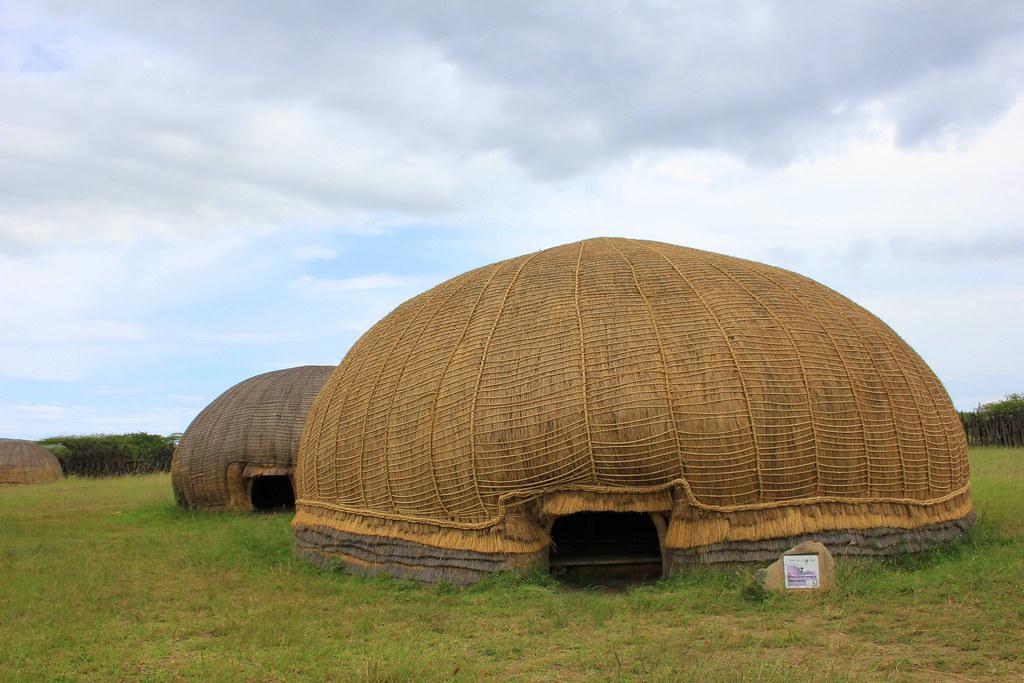 Reconstruction Of Royal Zulu Hut Ondini Kwazulu Natal So Flickr