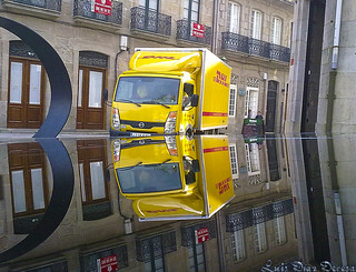 DHL                 (Reflejo verdadero / True reflection) | by Luis Diaz Devesa