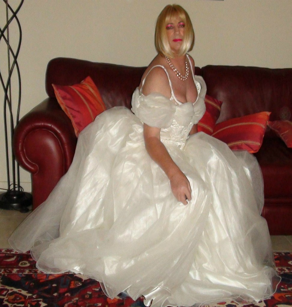 transi-v-svadebnih-platyah