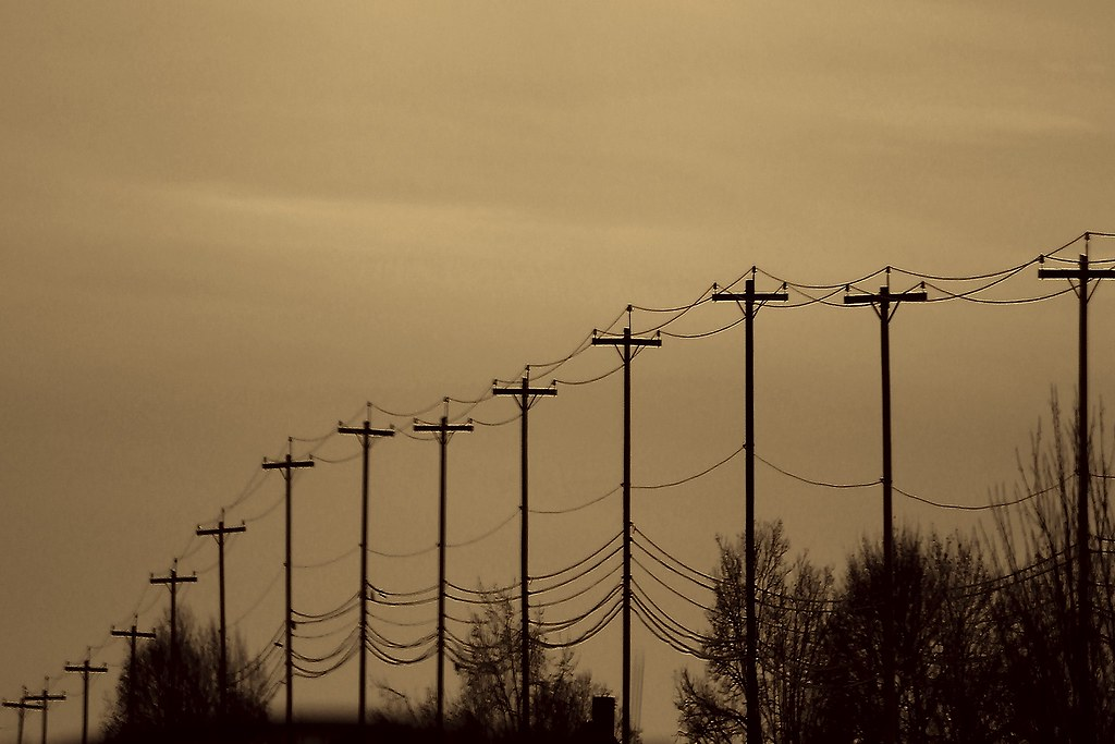 Telephone Poles, Distance/Depth Perception Shot      Flickr