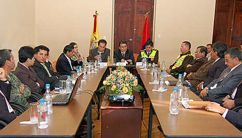 Ministro del interior asume compromisos por la seguridad e for Ministerio del interior ecuador telefonos