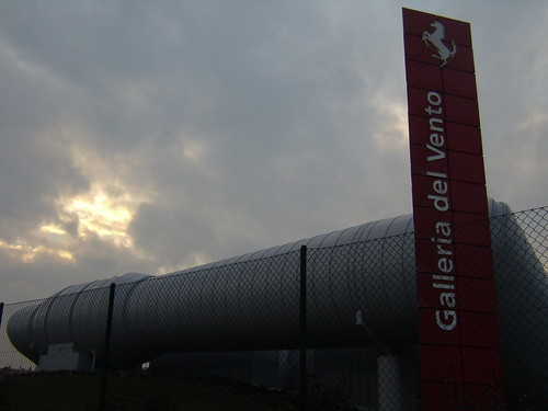 Renzo piano galleria del vento ferrari renzo piano for Galleria del piano casa