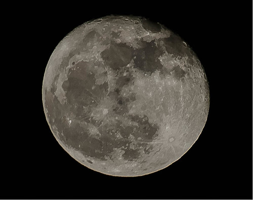 Waxing gibbous moon 98% | by David Adam Paterson