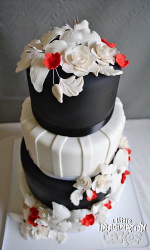 black white and red wedding cake with gumpaste sugar roses flickr. Black Bedroom Furniture Sets. Home Design Ideas