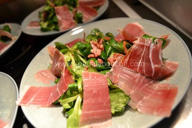 Salade au Chèvre Chaud et Jambon Cru © Ana Luthi Tous droits réservés 19
