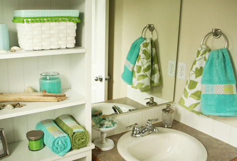 Little Bathroom Makeover Aqua Green Gray I Did A Littl Flickr