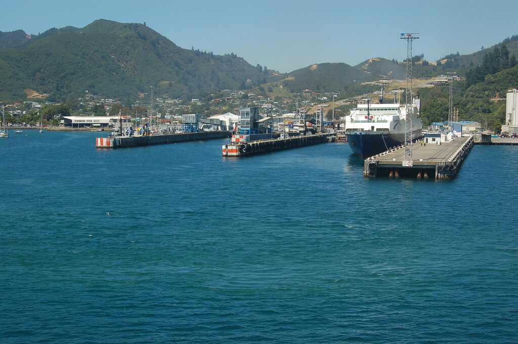 2009 Jan NZ Cook Strait - Picton 171
