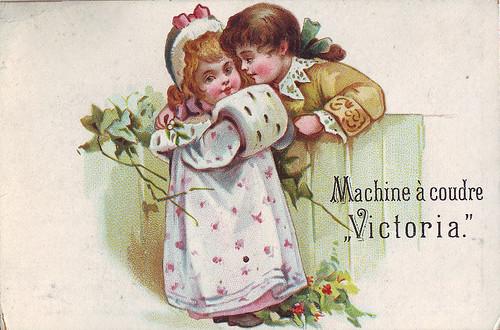 Chromo la machine a coudre victoria romantic scene ove for Machine a coudre 3d