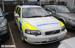 Freedom NHS / Volvo V70 / Rapid Response Doctor Car / OUI 8261 | by Chris' 999 Pics