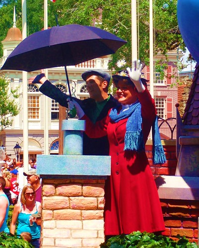 Mary Poppins and Bert in parade | by pirategirl3