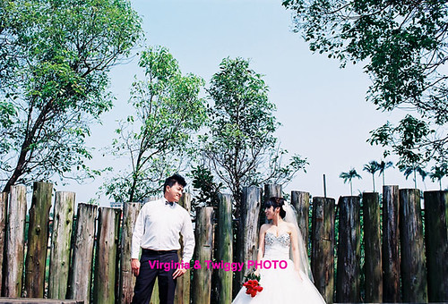 Film x Lomo Pre-Wedding Photo- Dylan ❤ Sara*1 | by Twiggy Tu