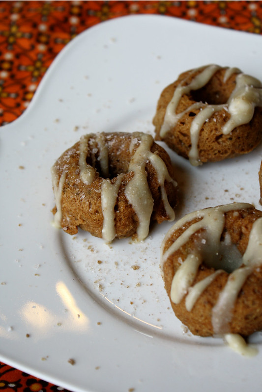 Tessa, The Domestic Diva: Maple Apple Cinnamon Donuts