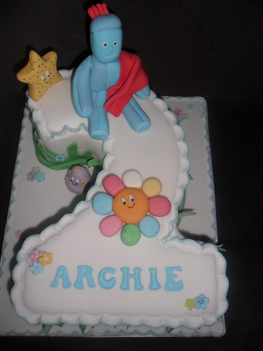 how to make a fondant iggle piggle