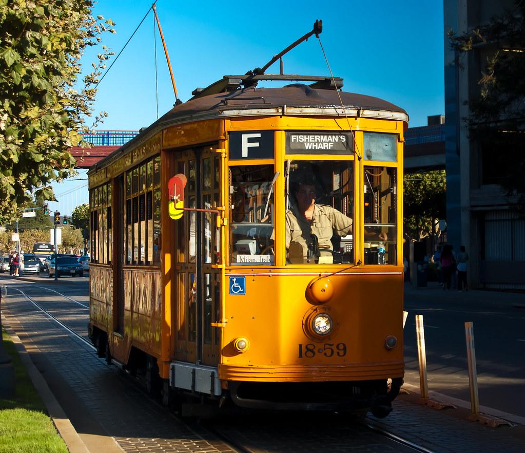 USA / California / San-Francisco / Yellow Tram 03
