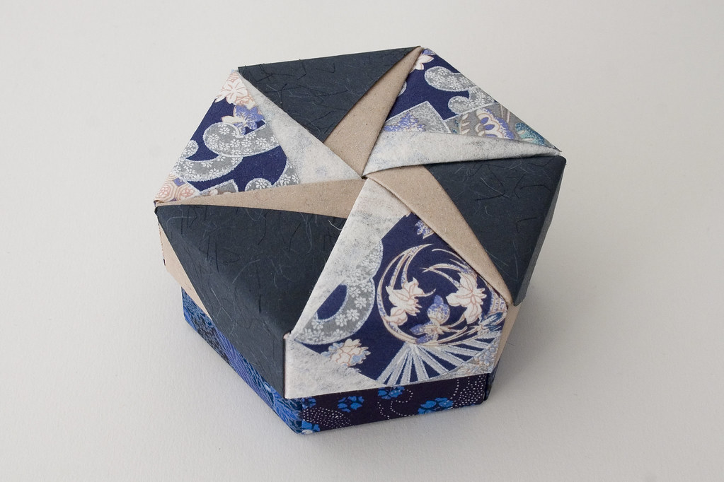 Hexagonal Origami Box With Lid 20 Part Of A Set Slidesh Flickr