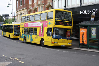Yellow Buses 431 HJ02HFB | by peterolding