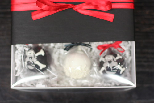 Skull and Cross Bones Cake Pops Gift Box | by Sweet Lauren Cakes