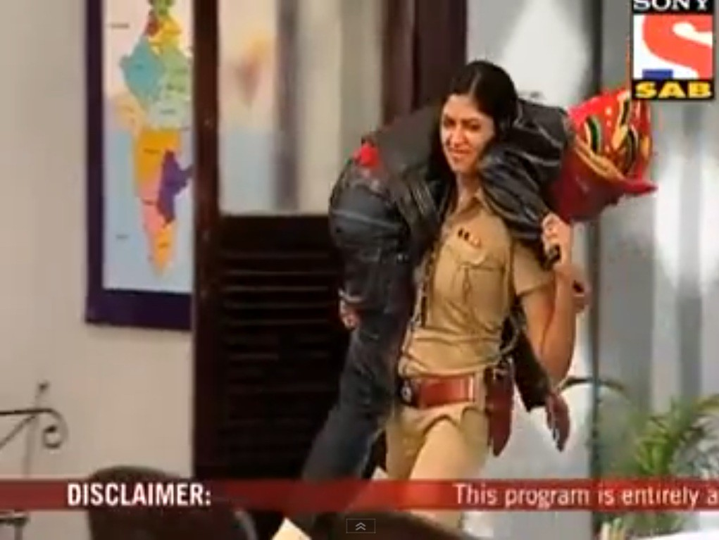 Effortless Lift And Carry From Tv Show By Desi Amazon Fan