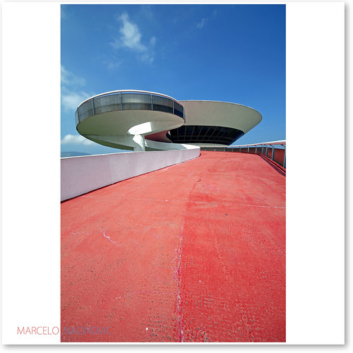 Oscar Niemeyer , Museu de Arte Contemporânea | by marcelo nacinovic