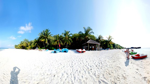Lily Beach Resort Spa At Huvahendhoo Maldives Reviews