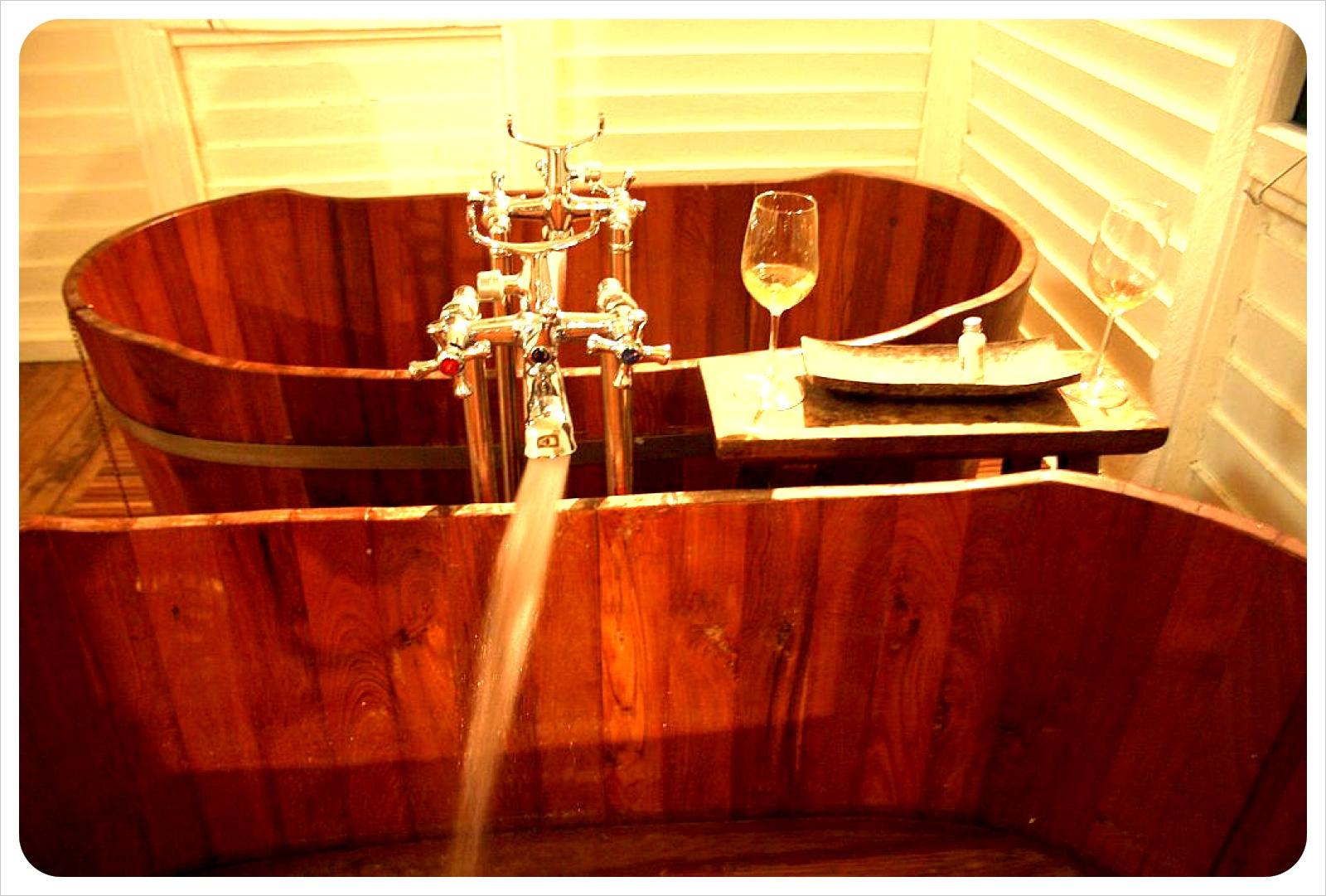 temple tree bathtubs & wine
