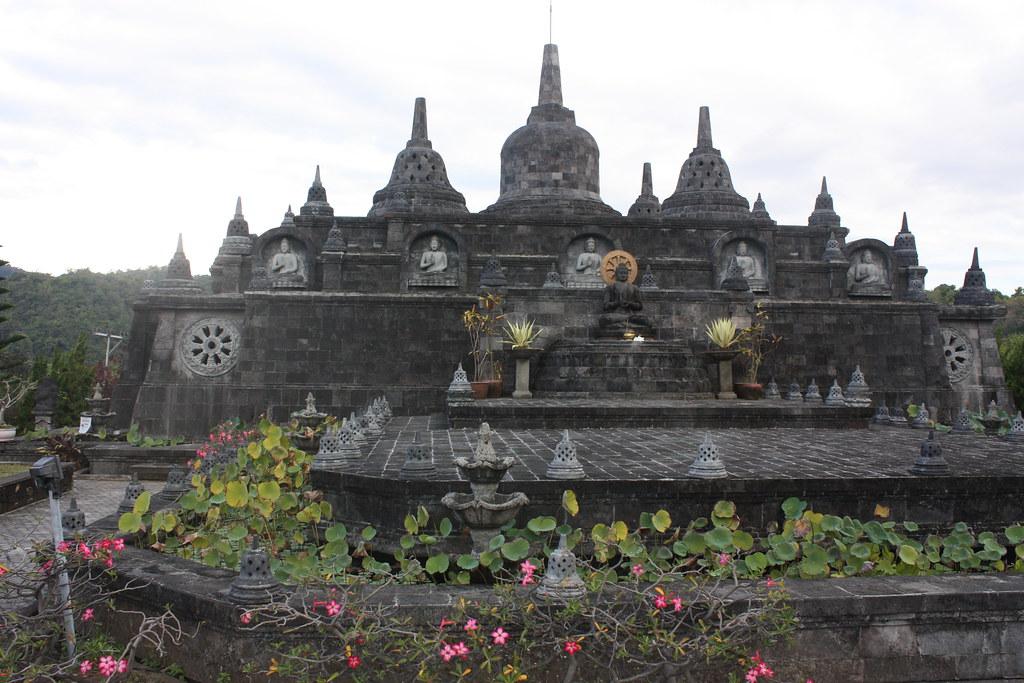 Banjar, Brahmavihara, mini Borobudur