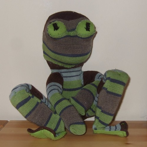 Upcycled sock frog | by ebygomm