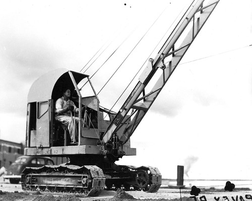 NAS Pensacola, crane, 1946 | by San Diego Air & Space Museum Archives