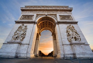 Sunset on the Arc de Triomphe | by manucornet