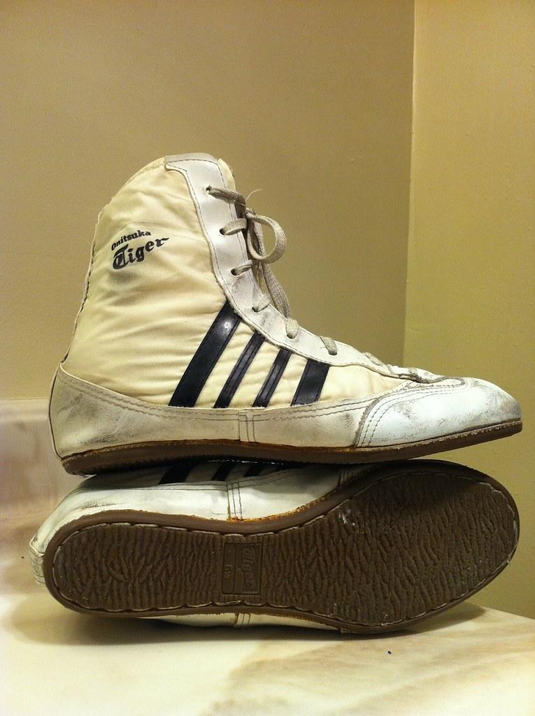 asics tiger wrestling shoes - sochim.com
