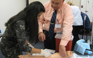 State-of-the-Art Simulation Lab Creates Real-Life Scenarios for New Med Students | by hofstrauniversity