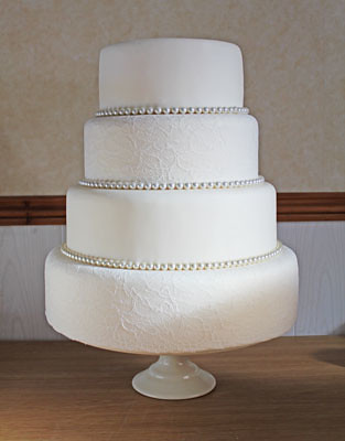 4 Four Tier Lace Pearl Wedding Cake Www Quitecontraryca Flickr