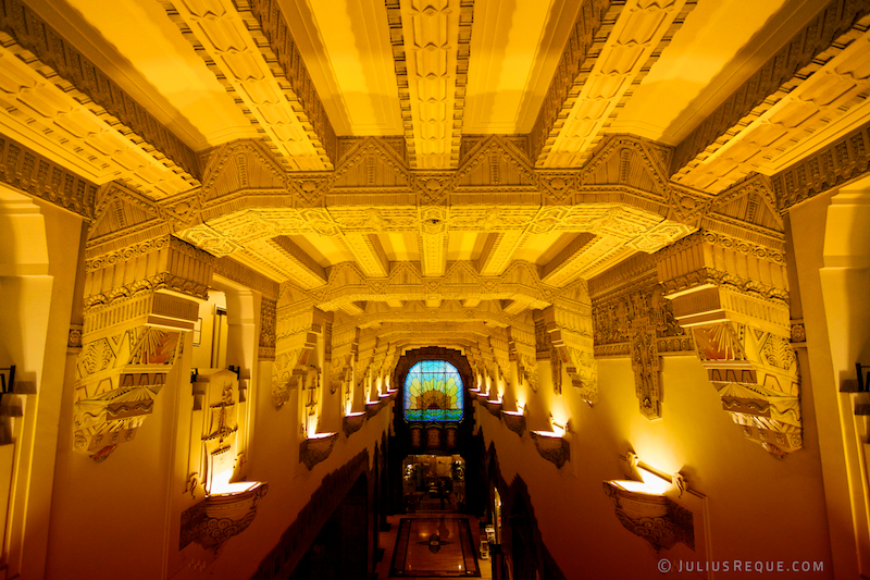 Photo tonight in vancouver mayan art deco ceiling inside the marine building by