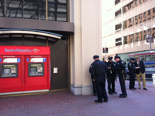 5 @sfpd protecting #BofA from #OccupyOurFoodSupply info tables #occupysf #osf #oo | by Steve Rhodes