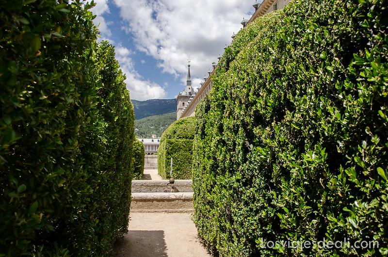 jardines de El Escorial en un fin de semana en la sierra de Madrid