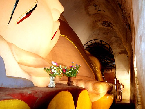 Huge reclining Buddha,,  Pagan | by smycull