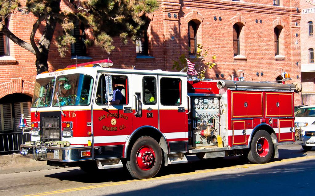 USA / California / San-Francisco / Red Fire Truck