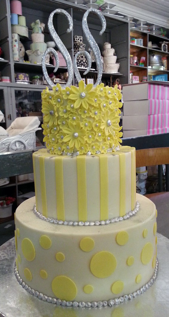 3-tier Wedding cake iced in white chocolate ganache decora… | Flickr