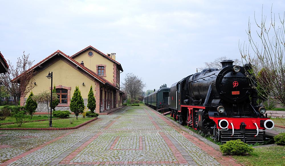izmit Tarihi Tren Garı ile ilgili görsel sonucu