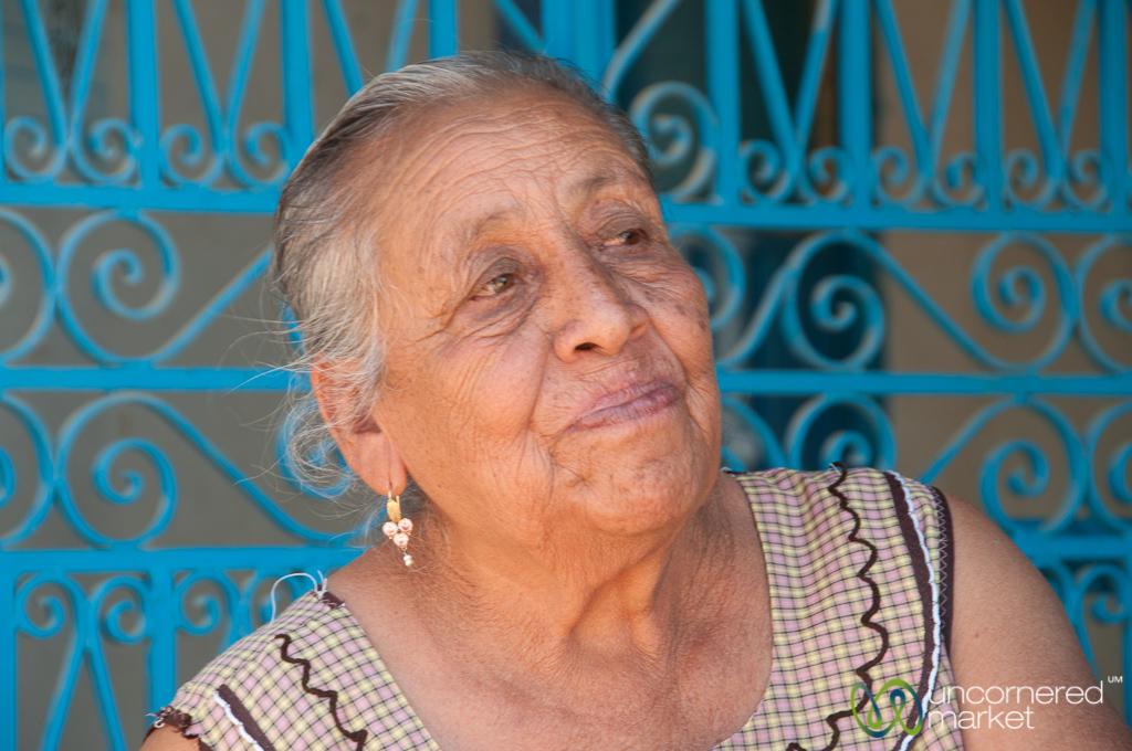Mexican Grandmother 32285 | NANOZINE