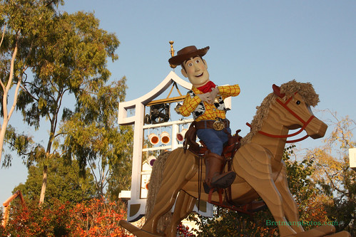 IMBretman Photos: Disneyland Christmas Parade 2011 | by Bretman Photos